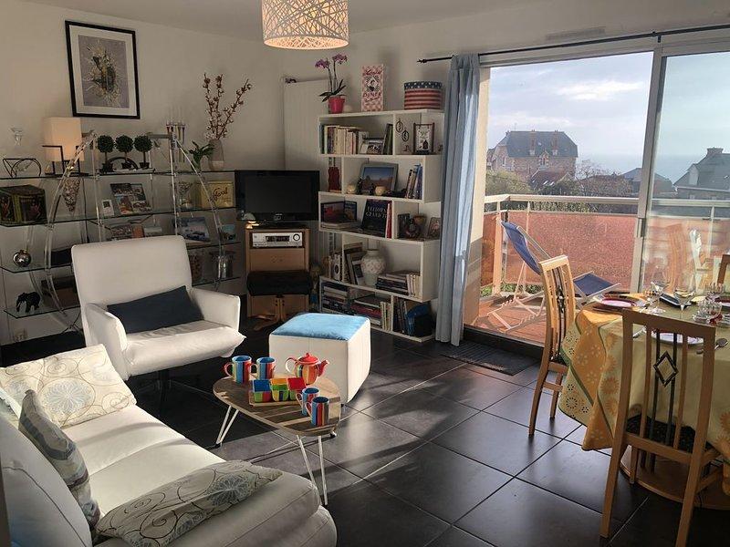 Bel appartement rénové (65m²) avec belle vue mer., holiday rental in Pleneuf-Val-Andre