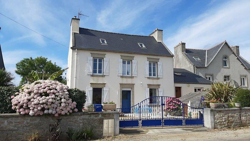 maison de vacances avec grand jardin, vacation rental in Cleden-Cap-Sizun