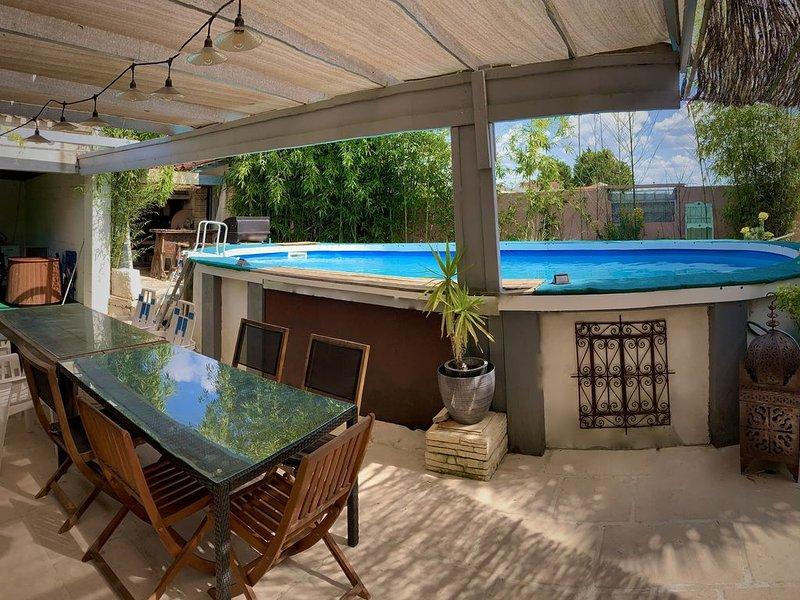 Villa campagne avec piscine (10 personnes), location de vacances à Arcais