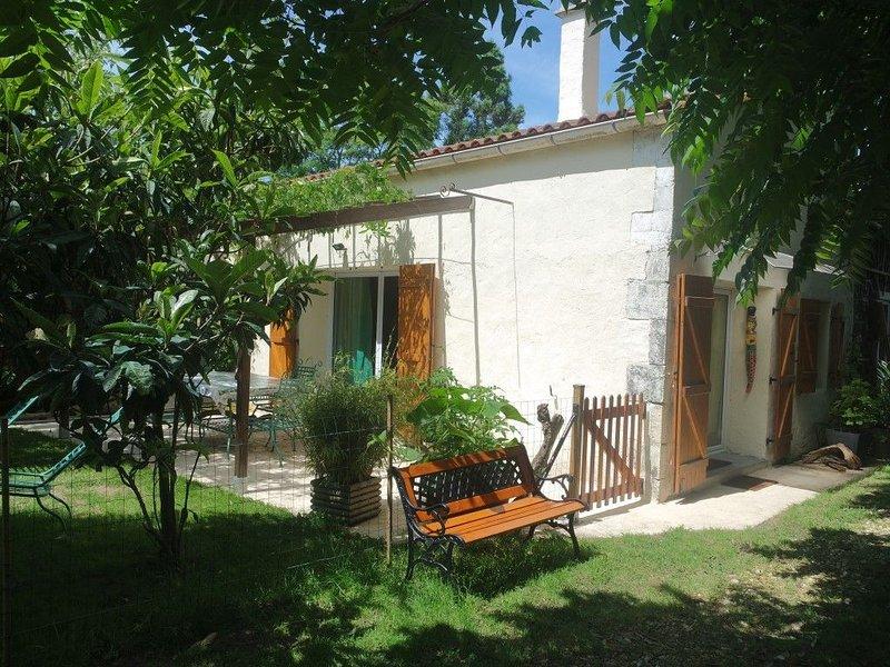 Maison Duplex 55m2 avec jardin, au calme, location de vacances à Arvert