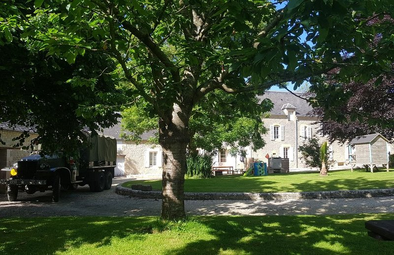 Gîte Le Chat L'Heureux, holiday rental in Maisons