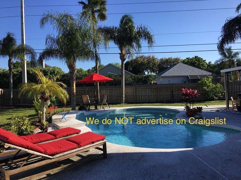 Jax Beach POOL home, WALK to the Beach, dining, & shopping! 7 min to MAYO CLINIC, alquiler vacacional en Jacksonville Beach