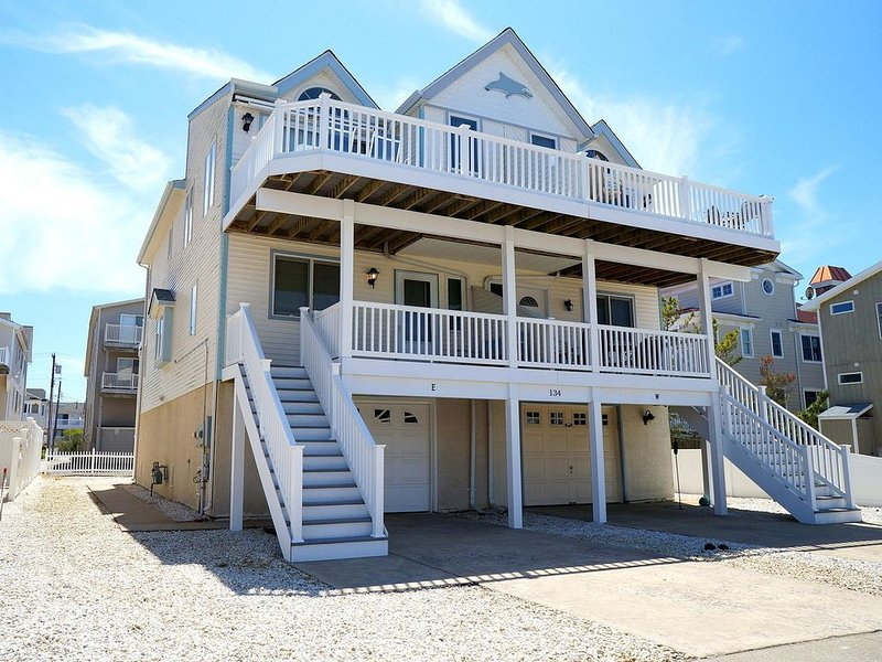 Bay view and only a block and a half to the ocean, holiday rental in Sea Isle City