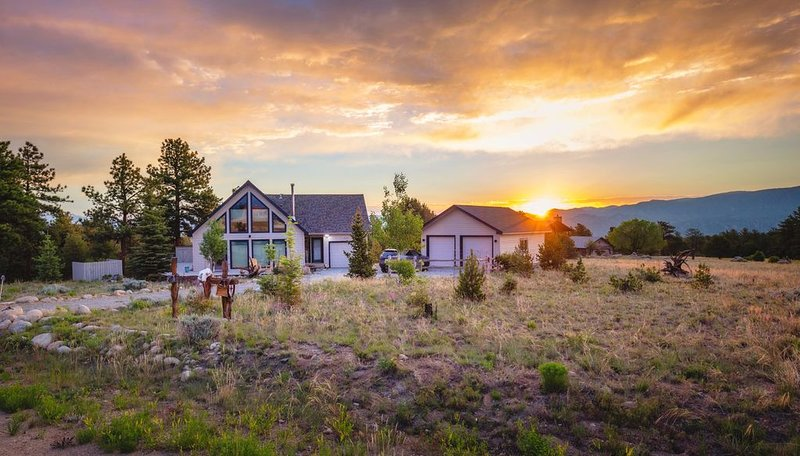 Secluded Mountain Retreat!  Amazing Views, Ideal Location, vacation rental in Salida