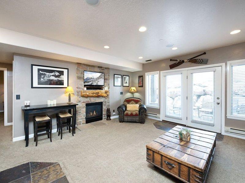 Spacious Ground Level 2 Bedroom Huntsville, Utah Vacation Rental LS29B, location de vacances à Huntsville