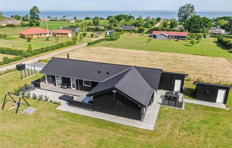 4 Zimmer Unterkunft in Nordborg, alquiler vacacional en Helnaes