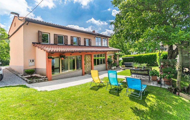 2 Zimmer Unterkunft in Stanjel, casa vacanza a Crni Vrh