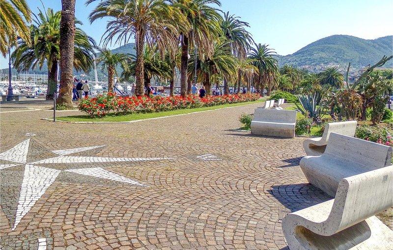 2 Zimmer Unterkunft in La Spezia -SP-, holiday rental in La Spezia