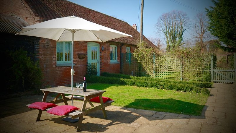 Peper; beautiful 5 Star Gold rated cottage in rural Kent., vacation rental in Stourmouth