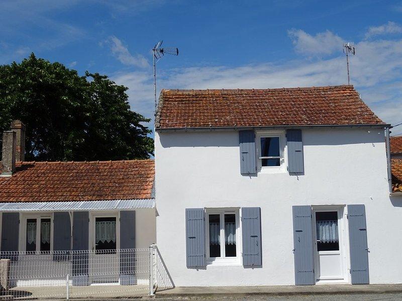 Maison de 8 a 9 personnes  commune  le chateau d'oléron, holiday rental in Le Grand-Village-Plage