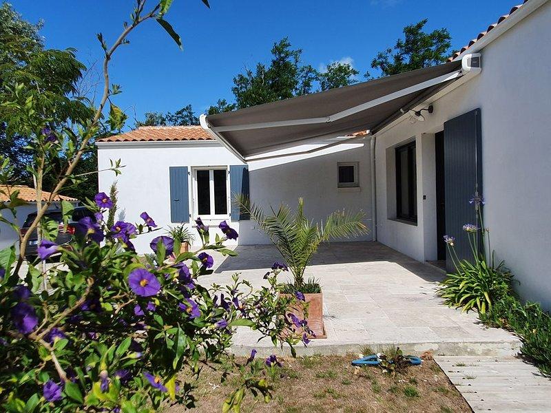 Maison neuve tout confort à 2 pas de la mer et du centre-ville - CDC: FR5FTGWU, location de vacances à Charente-Maritime