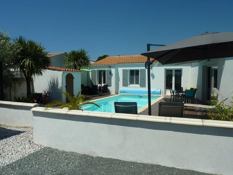 Maison Ile d'Oléron 6 personnes avec piscine privée chauffée sans vis à vis, vakantiewoning in Saint-Georges d'Oléron