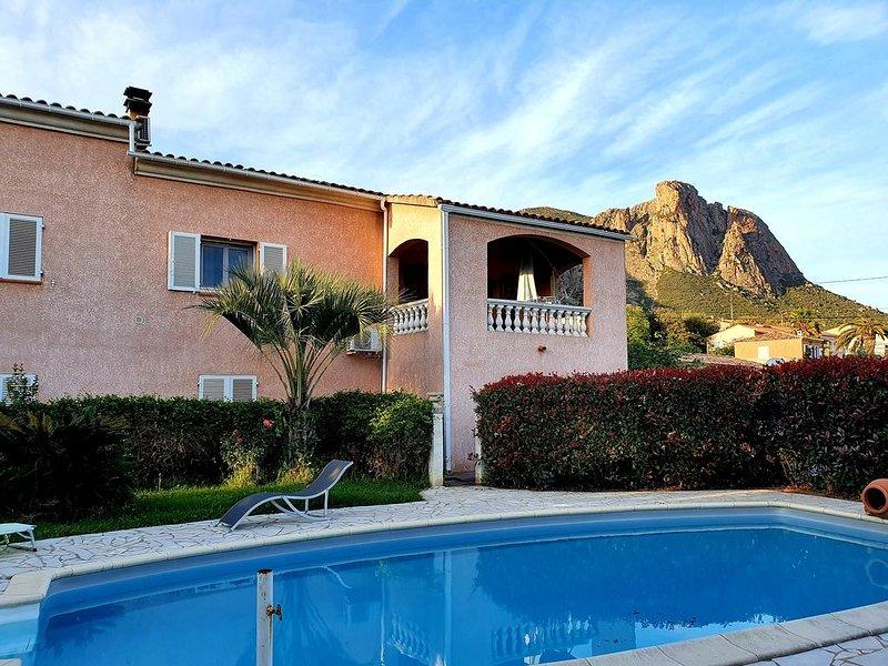CORSE BELLE VILLA AVEC PISCINE A 15MN DE LA MER EN VOITURE, vacation rental in Appietto