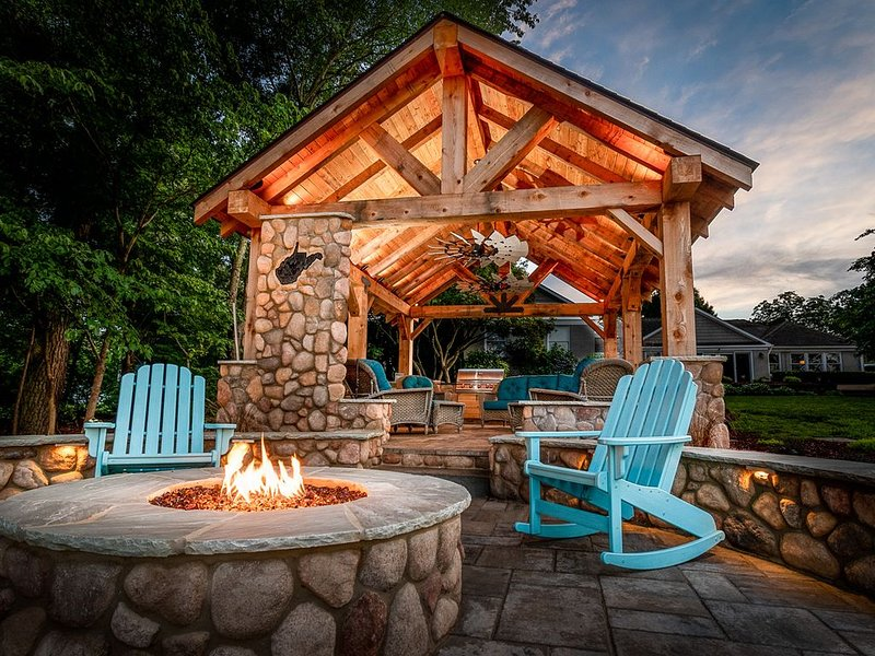 Summer's Full, but Fall Will Be Great Weather for the New Pavilion and Fire Pit!, vacation rental in Davidson