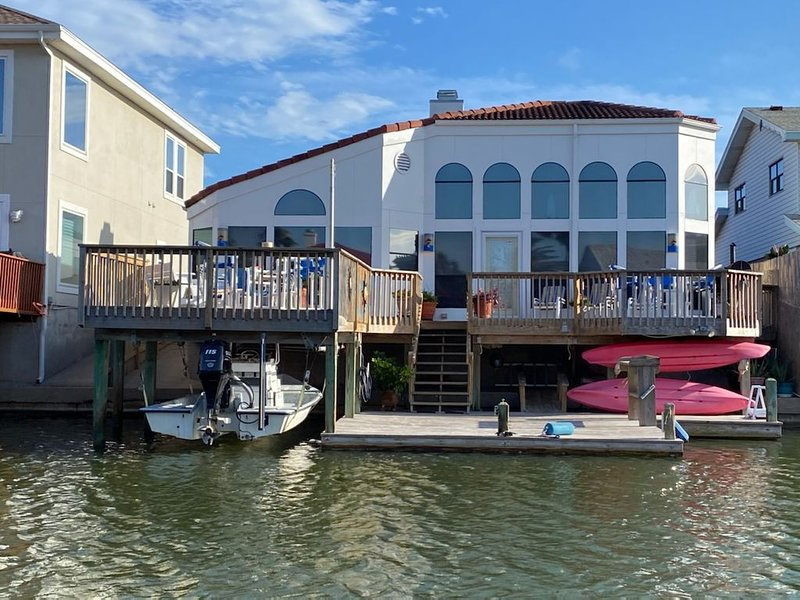 Magnificent 1 story waterfront home in North Padre Island, vacation rental in Corpus Christi