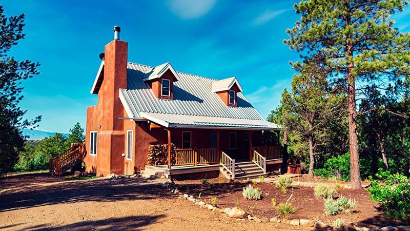 *Taos Private Luxury Home- Ski, Hike, Great Mt. Views, Fireplace, Peaceful, vacation rental in Arroyo Seco
