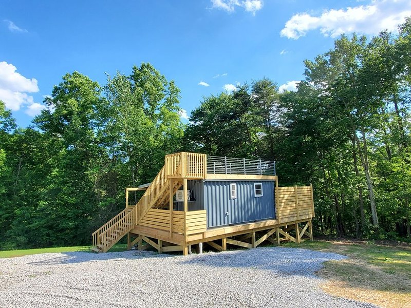 Tiny House Shipping Container, holiday rental in Rockbridge