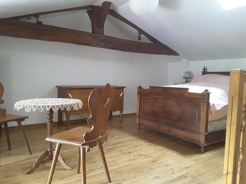 Location agréable petite maison à 10 minutes du Futuroscope, holiday rental in Neuville de Poitou
