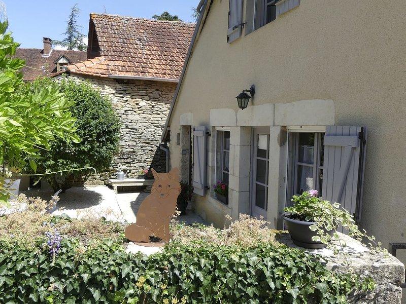 Gîte de charme au coeur de l'Auxois: 'La Renarde', location de vacances à Marigny-le-Cahouet