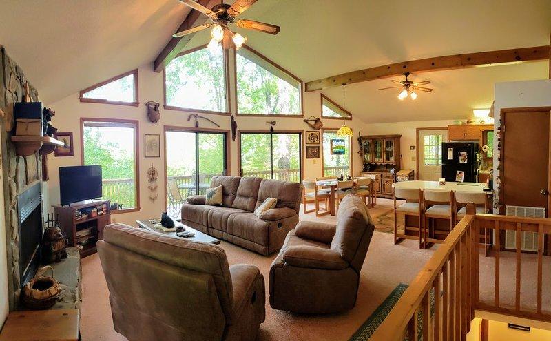 Cozy Bear Paw Mountain Retreat, vacation rental in Coker Creek