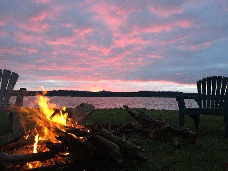 Azul Casa del Lago: Getaway to Possum Kingdom Lake on the Water, location de vacances à Graford