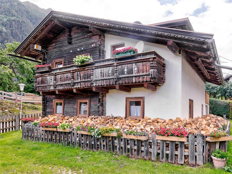 Welcoming Holiday Home with Garden in Tyrol, vacation rental in Matrei in Osttirol