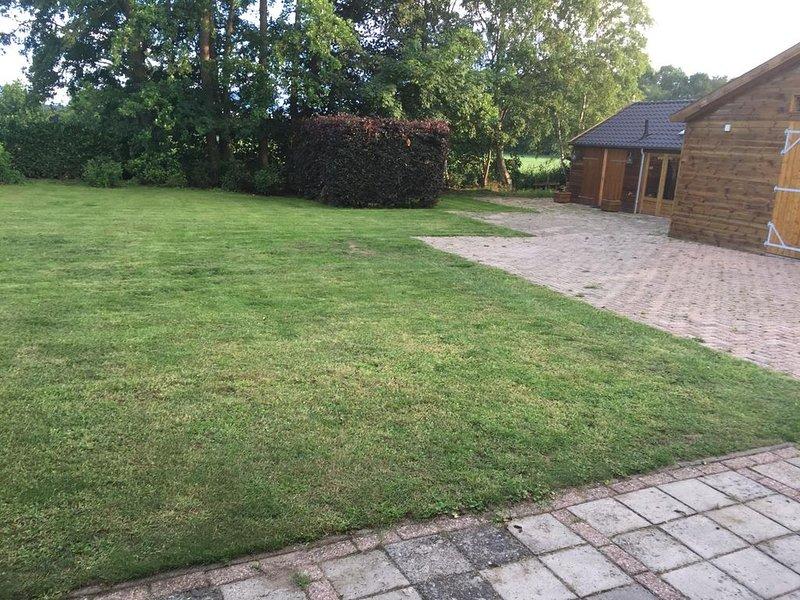 Rustig chalet in het buitengebied van Breda, Ferienwohnung in Prinsenbeek