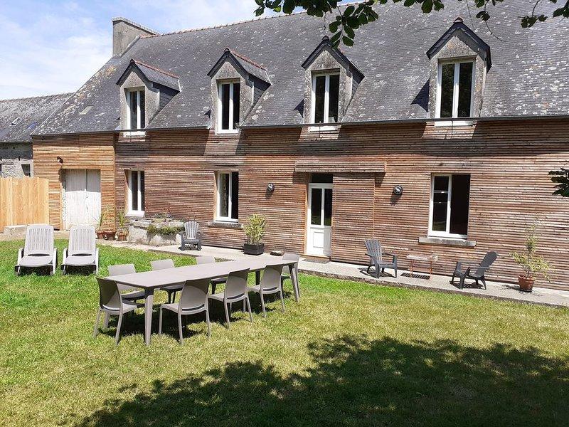 Maison cadre verdoyant au calme Terre et Mer, holiday rental in Ploneour Lanvern
