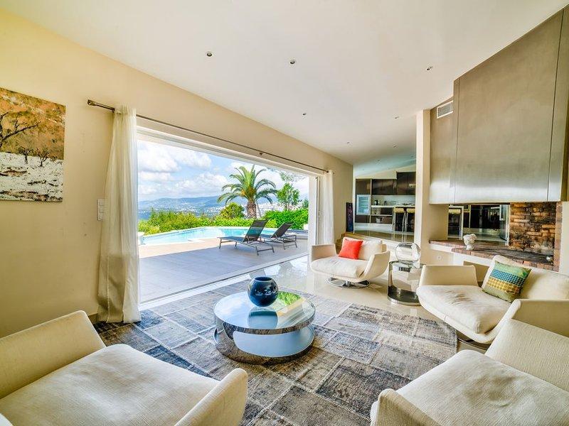 6 Bedrooms Luxury Villa, casa vacanza a Mouans-Sartoux
