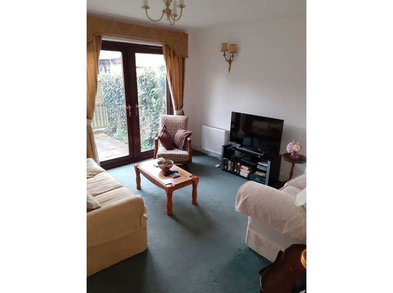 Town centre location, easy walking distance of all shops ,pubs and restaurants, vacation rental in Thropton
