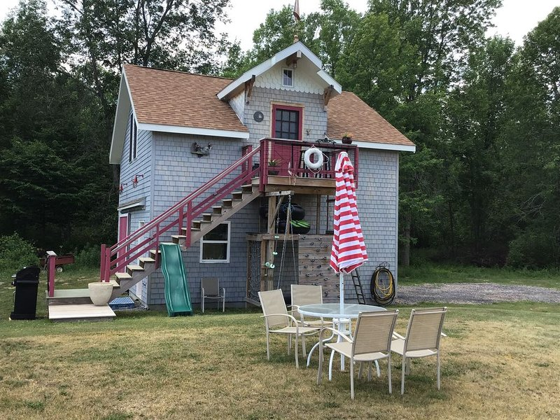 Lakeview Loft Relax Island Time, holiday rental in Champlain