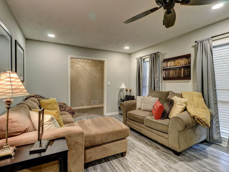 Nicely Renovated Norcross Home Next to I-85, alquiler de vacaciones en Duluth