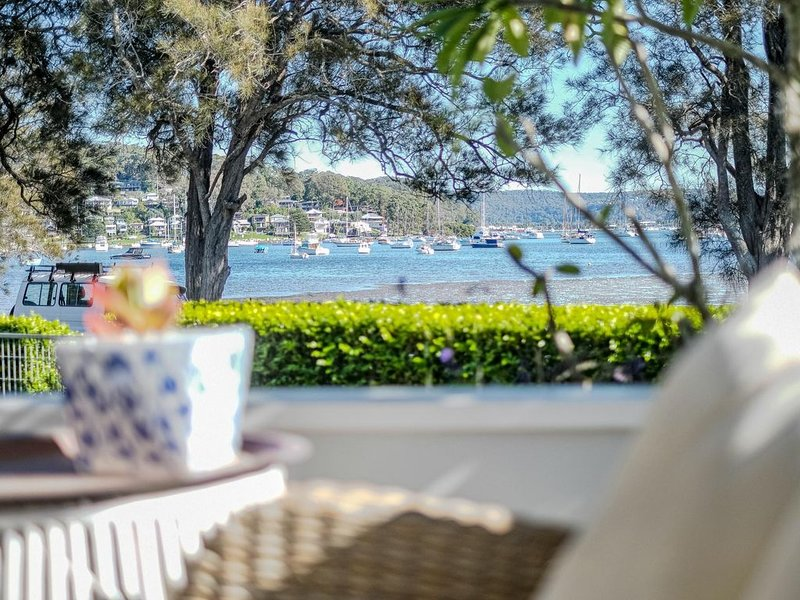 Quiet Waters - Looking to escape and unwind during school holidays or the Christ, holiday rental in Daleys Point