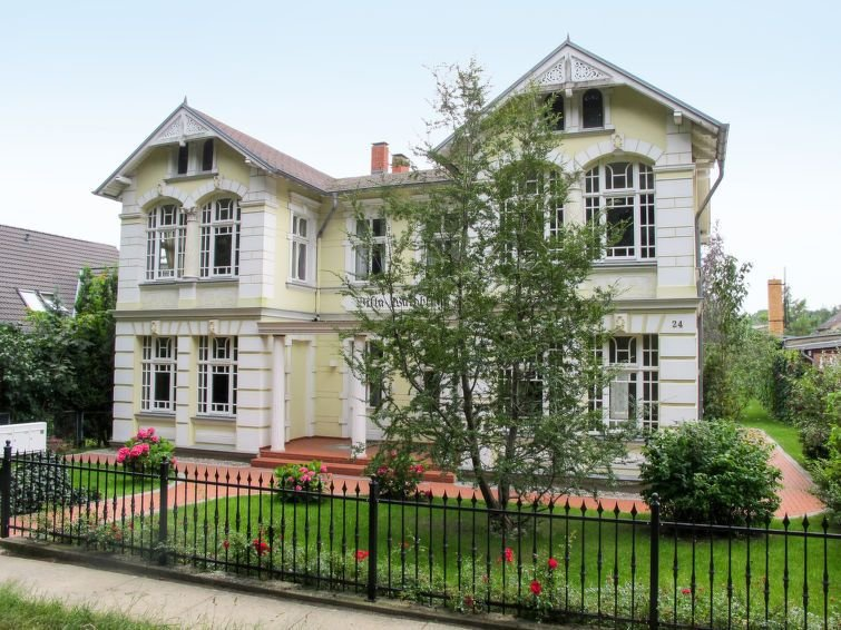 Apartment Haus Waldblume  in Zempin, Usedom - 3 persons, 1 bedroom, holiday rental in Zempin