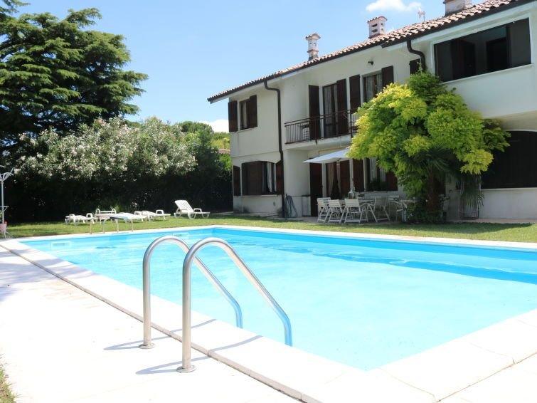 Ferienhaus Dugale (LAZ521) in Lazise - 12 Personen, 5 Schlafzimmer, holiday rental in Castelnuovo del Garda