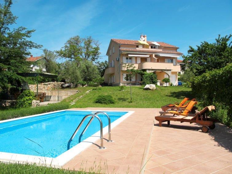 Ferienwohnung Glavotok (KRK306) in Krk/Krk - 5 Personen, 2 Schlafzimmer, vacation rental in Beli