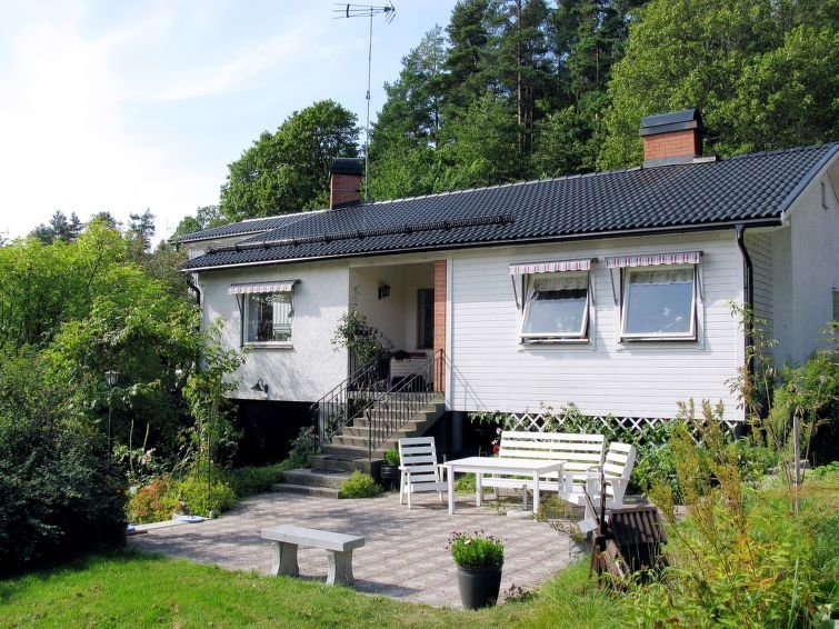 Ferienhaus Trollsjö Stegeborg (OST102) in Vikbolandet - 8 Personen, 3 Schlafzimm, aluguéis de temporada em Arkosund