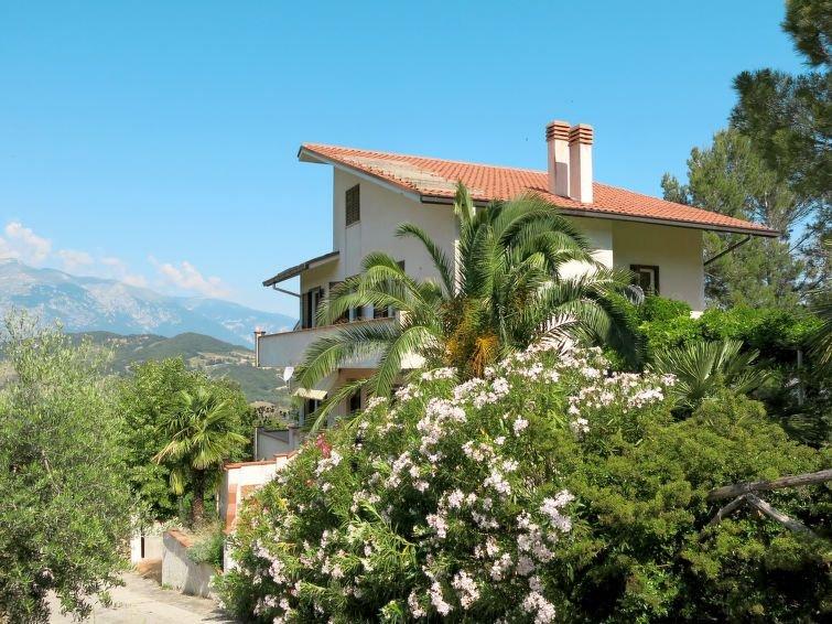 Ferienhaus Scutti (ATL100) in Altino - 6 Personen, 3 Schlafzimmer, vacation rental in Civitella Messer Raimondo