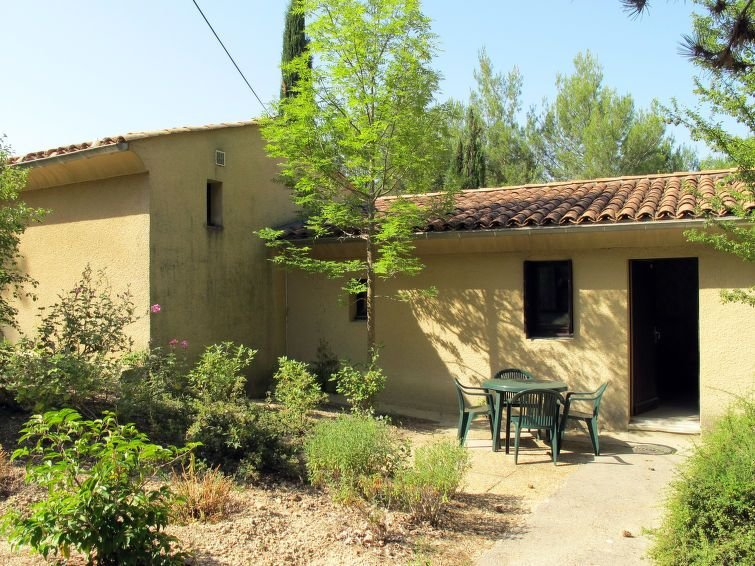 Apartment Domaine de Château Laval  in Gréoux - les - Bains, Pays Forcalquier -, holiday rental in Valensole