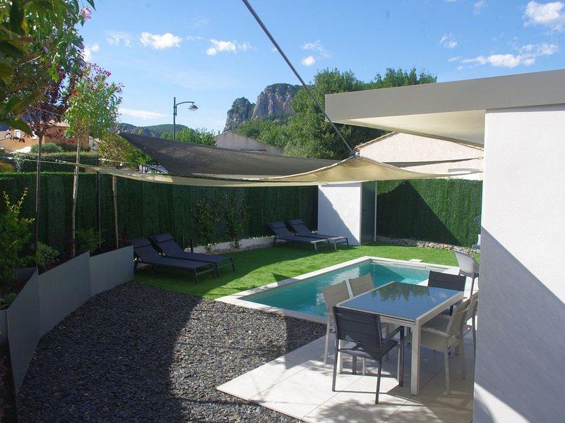 'La Esperanza' Villa contemporaine avec piscine proche rivière, location de vacances à La Cadière-et-Cambo