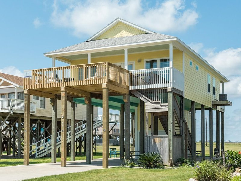 Shore Enuff by the Gulf and Bay!, holiday rental in Freeport