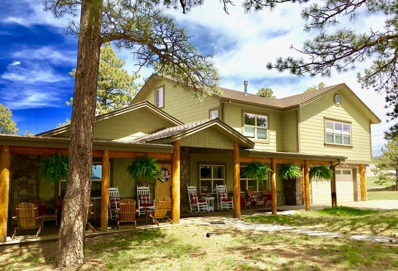 Colorado Lodge, Barn & Picnics - Wedding Weekend Headquarters with Barn Venue, alquiler de vacaciones en Golden