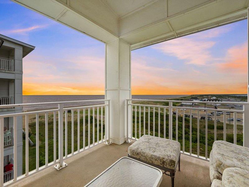 Sweeping Views of the Sunny Sandbridge Coastline and Majestic Back Bay, alquiler de vacaciones en Virginia Beach