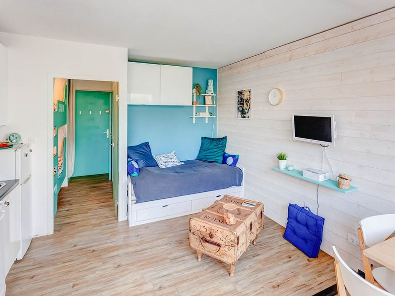 Studio cabine pour 4 personne à deux pas de la mer, holiday rental in La Grande-Motte