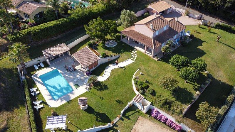 Calme et nature - Maison 90 m² avec piscine proche mer et montagne, holiday rental in Cuttoli-Corticchiato