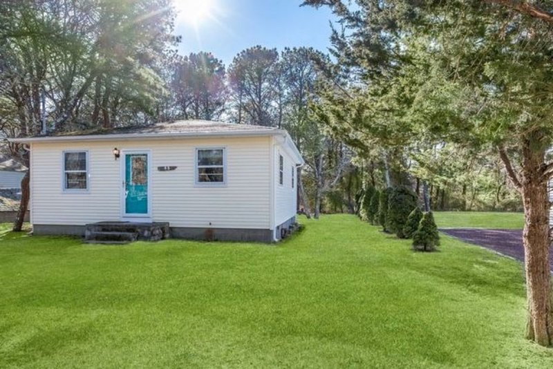 Gardiners Bay Bungalow with Private Beach Access, alquiler vacacional en Amagansett