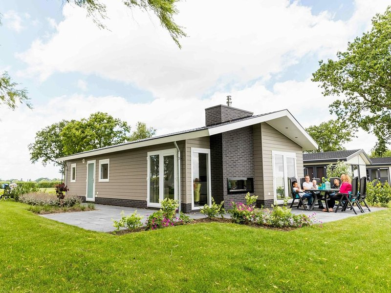 Luxurious 6-person holiday home with spacious terrace., holiday rental in Vaassen