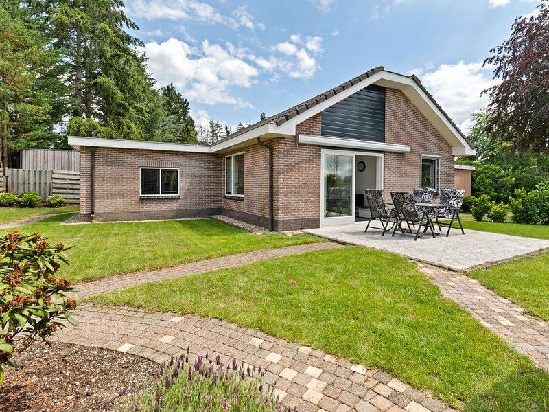 Quaint Holiday Home in Putten with Garden, holiday rental in Putten