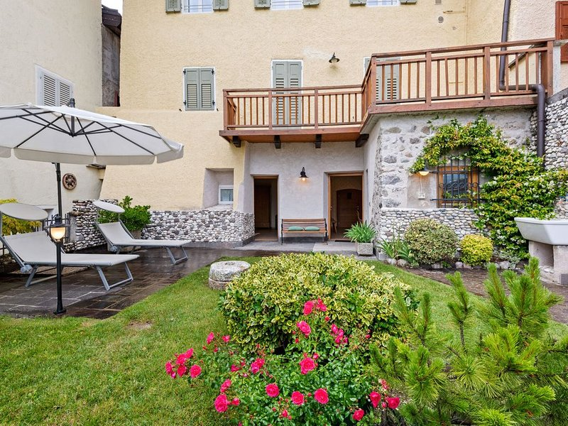 Fully renovated apartment is located in an old building, vacation rental in Sanzeno