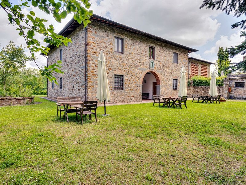 Cozy Aparment in Greve in Chianti with Swimming Pool, holiday rental in La Panca